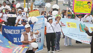 mujeres_marchan